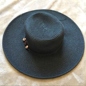 629e7cfef45ca Black hat with flower.  8  0 · NEW Croft and Barrow Hat